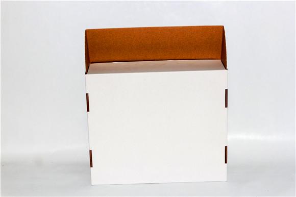 裱坑瓦楞白盒
