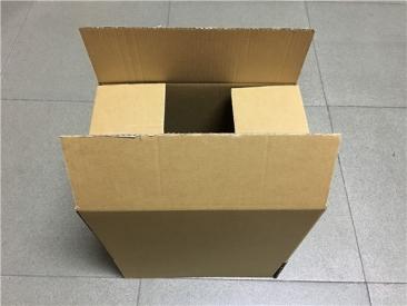 单坑黄色纸箱